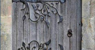mau-nha-2-tang-dep-nam-2018-04f3aebd4b417dd9ef46a22460530fc5-old-doors-front-doors