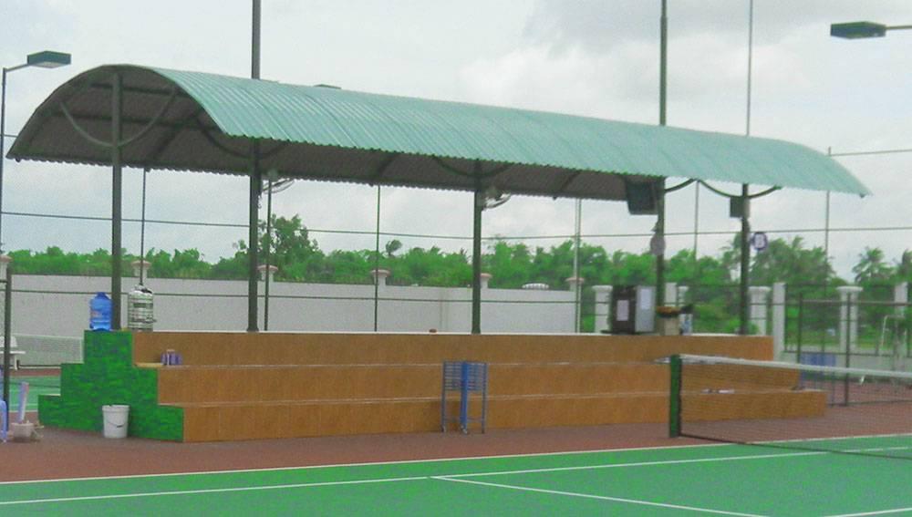 nha-pho-tan-co-dien-khan-dai-san-tennis
